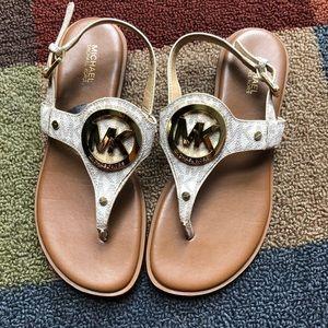 Michael Kors Thong Sandals Size 6